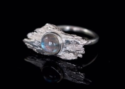 'Guadamar' Labradorite Set in Silver Cast Tree Bark Ring